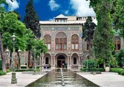 تنها بنای معماری جهانی تهران کدام است ؟